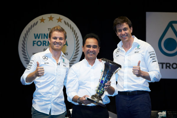 2016 Mercedes AMG F1 World Championship Celebrations. Kuala Lumpur, Malaysia Tuesday 29 November 2016. Drivers World Champion Nico Rosberg and Toto Wolff pay a visit to team sponsor Petronas in Kuala Lumpur. Photo: Steve Etherington/LAT Photographic ref: Digital Image SNE11520