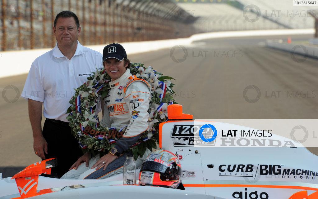 23  May 2011, Indianapolis, Indiana USA2011 Indy 500 winner, Dan Wheldon with Honda's Eric Berkman©2011 Dan R. Boyd Lat Photo USA