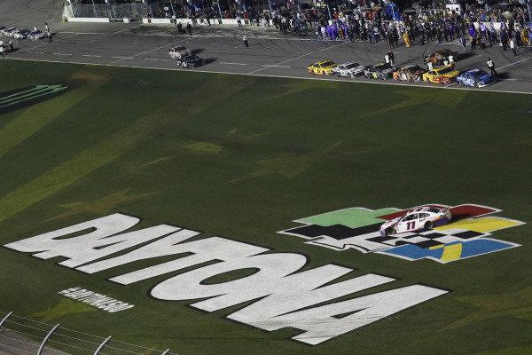 #11: Denny Hamlin, Joe Gibbs Racing, Toyota Camry FedEx Express, celebration, burnout