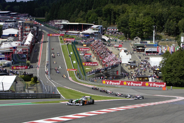 Giancarlo Fisichella, Force India VJM02 Mercedes leads the field to Eau Rouge.