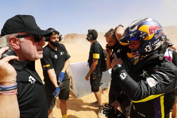 David Richards, Chairman, Prodrive / Chairman, Motorsport UK, chats with Sebastien Loeb (FRA), X44