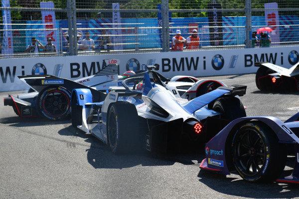 Jose Maria Lopez (ARG), GEOX Dragon Racing, Penske EV-3, spins as Antonio Felix da Costa (PRT), BMW I Andretti Motorsports, BMW iFE.18 and Sam Bird (GBR), Envision Virgin Racing, Audi e-tron FE05 follow