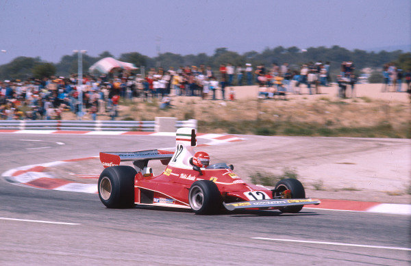 1975 French Grand Prix.Paul Ricard, Le Castellet, France.4-6 July 1975.Niki Lauda (Ferrari 312T) 1st position. Ref-75 FRA 07.World Copyright - LAT Photographic