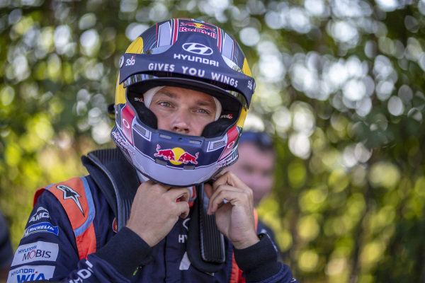 Andreas Mikkelsen prepares for action
