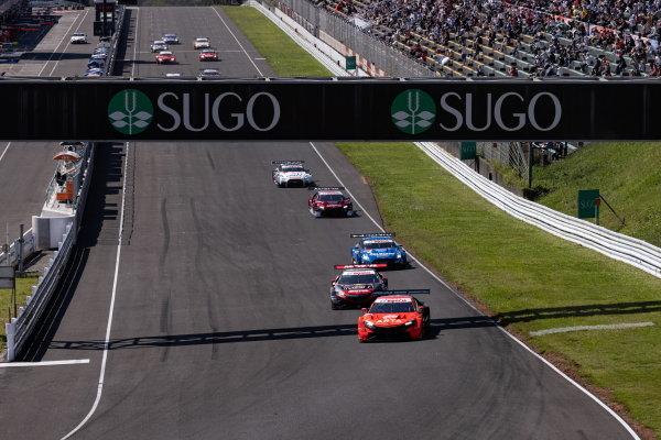 The GT500 field take the start of the Sugo 300km race, led by the Autobacs Racing team Aguri, Honda NSX-GT GT500 of Nirei Fukuzumi and Tomoki Nojiri