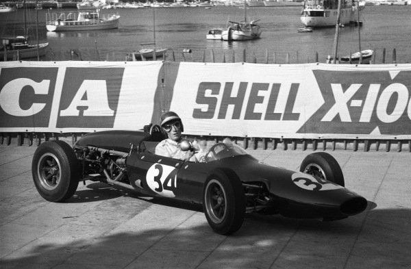 Jochen Rindt, Cooper, in the Formula Junior support race.