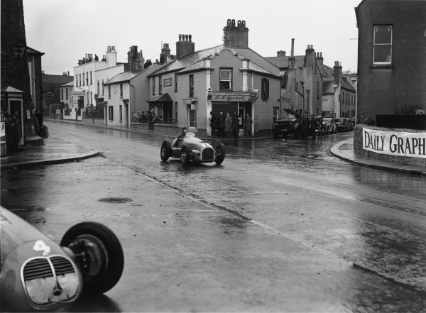 St Helier, Jersey, Channel Islands. 28th April 1949.Peter Whitehead (Ferrari 125/10C), action.World Copyright: LAT Photographic.Ref: Autocar Glass Plate C24074.