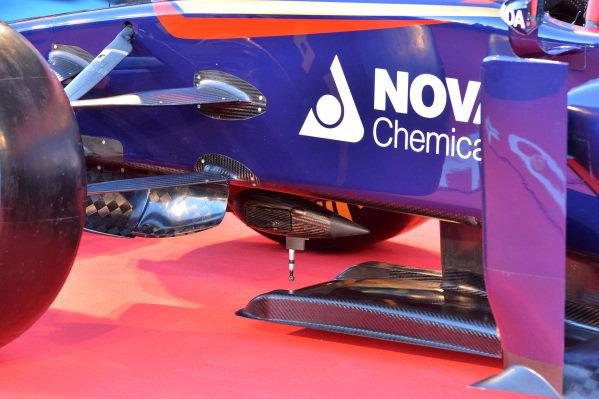 Scuderia Toro Rosso STR9 front splitter detail. Scuderia Toro Rosso STR9 Launch, Jerez, Spain, Monday 27 January 2014.