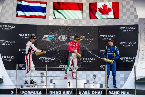 2017 FIA Formula 2 Round 11. Yas Marina Circuit, Abu Dhabi, United Arab Emirates. Sunday 26 November 2017. Alexander Albon (THA, ART Grand Prix), Charles Leclerc (MCO, PREMA Racing), Nicholas Latifi (CAN, DAMS).  Photo: Zak Mauger/FIA Formula 2. ref: Digital Image _56I2545