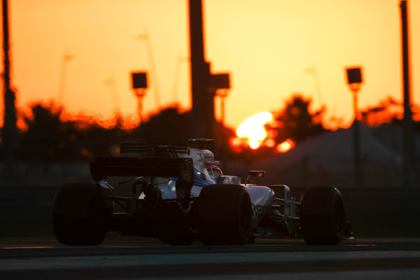 Yas Marina Circuit, Abu Dhabi, United Arab Emirates. Wednesday 29 November 2017. Robert Kubica, Williams FW40 Mercedes.  World Copyright: Zak Mauger/LAT Images  ref: Digital Image _56I7232