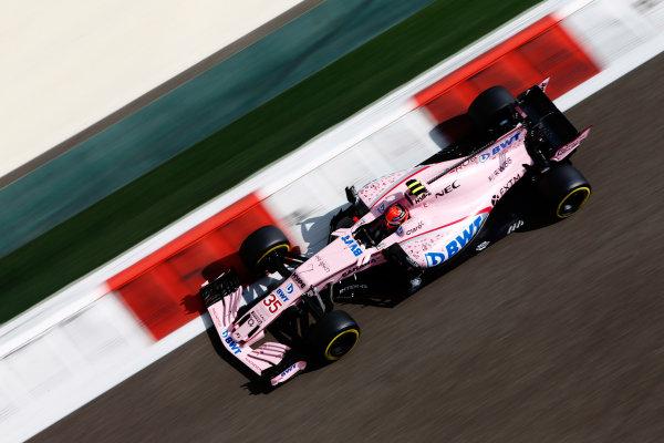 Yas Marina Circuit, Abu Dhabi, United Arab Emirates. Friday 24 November 2017. George Russell, Force India VJM10 Mercedes. World Copyright: Andy Hone/LAT Images  ref: Digital Image _ONZ8190
