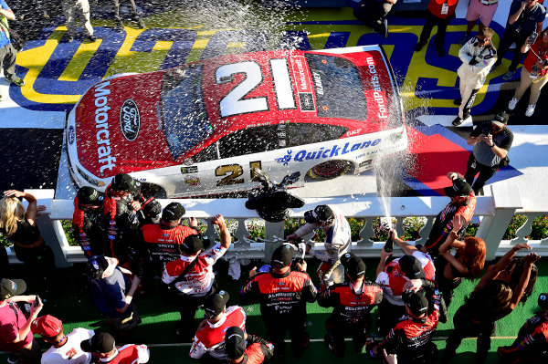 Monster Energy NASCAR Cup Series AXALTA presents the Pocono 400 Pocono Raceway, Long Pond, PA USA Sunday 11 June 2017 Ryan Blaney, Wood Brothers Racing, Motorcraft/Quick Lane Tire & Auto Center Ford Fusion wins. World Copyright: Rusty Jarrett LAT Images ref: Digital Image 17POC1rj_3670