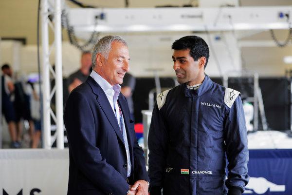 Williams 40 Event Silverstone, Northants, UK Friday 2 June 2017. Riccardo Patrese talks to Karun Chandhok. World Copyright: Zak Mauger/LAT Images ref: Digital Image _54I1162