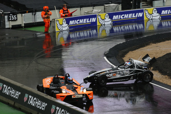 2015 Race Of Champions Olympic Stadium, London, UK Thursday 19 November 2015 Jolyon Palmer (GBR) in the KTM X-Bow goes past Jason Plato (GBR) in the Ariel Atom Cup in Practice Copyright Free FOR EDITORIAL USE ONLY. Mandatory Credit: 'Race Of Champions'
