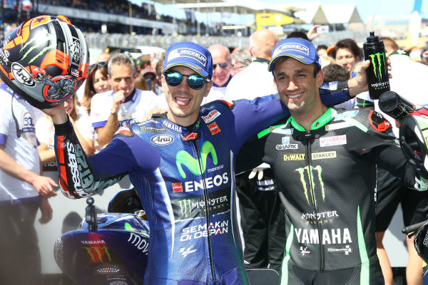 2017 MotoGP Championship - Round 5 Le Mans, France Sunday 21 May 2017 Winner Maverick Viñales, Yamaha Factory Racing, second place Johann Zarco, Monster Yamaha Tech 3 World Copyright: Gold & Goose Photography/LAT Images ref: Digital Image 671706