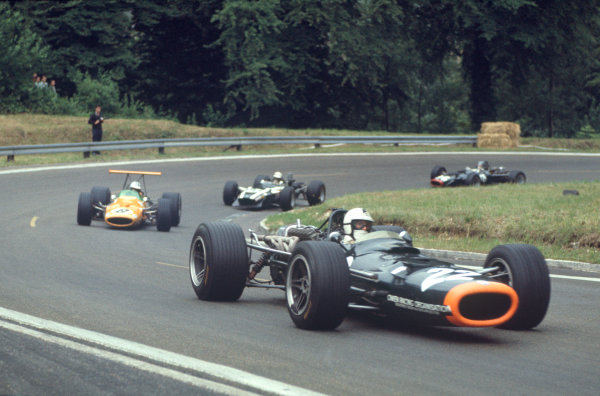 Rouen-les-Essarts, France. 7 July 1968. Dickie Attwood (BRM P126-BRM), 7th position, action. World Copyright: LAT Photographic. Ref: 68FRA27.