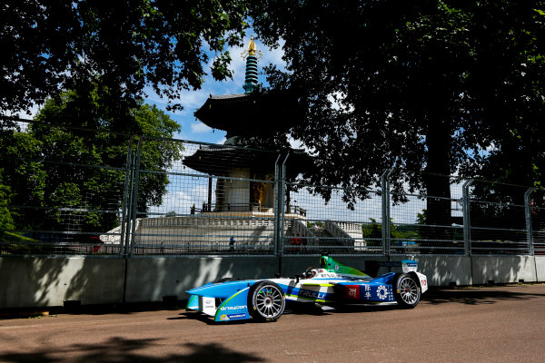 2014/2015 FIA Formula E Championship. London e-Prix, Battersea Park, London, UK. Saturday 27 June 2015. Jarno Trulli (ITA)/Trulli Racing - Spark-Renault SRT_01E  World Copyright: Zak Mauger/LAT Photographic/Formula E. ref: Digital Image _L0U7790