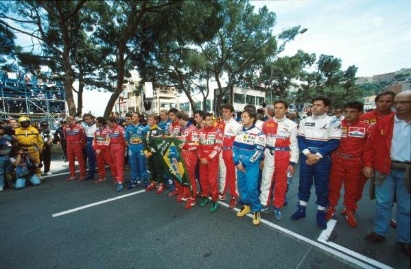 The drivers pay tribute to Ayrton Senna before the race start Monaco GP,  15 May 1994