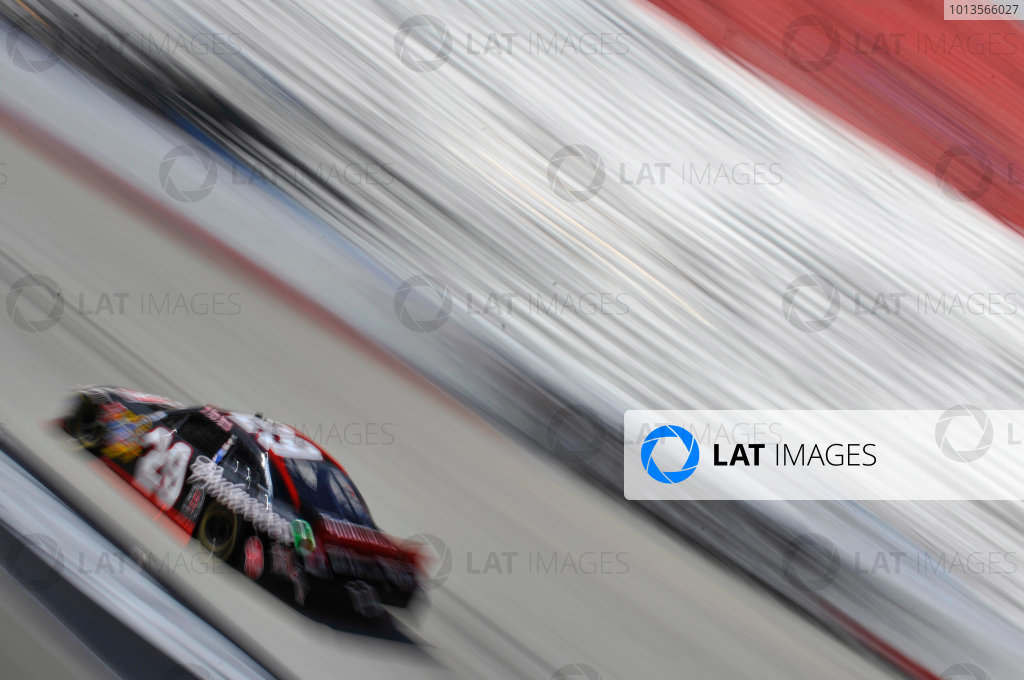 18-20 March 2011, Bristol, Tennessee, USAKevin Harvick©2011, LAT SouthLAT Photo, USA
