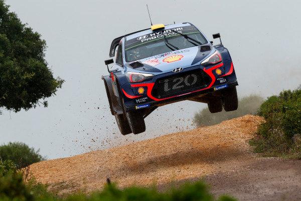 Andreas Mikkelsen is action on Rally d'Italia Sardinia