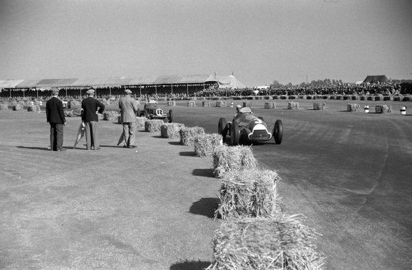 Luigi Fagioli, Alfa Romeo 158, leads Bob Gerard, ERA B-Type.