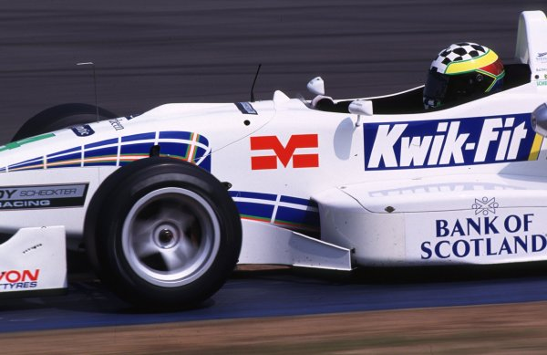 Rd 4a & 4b Donington, England. 6th - 7th May 2000 Race 2 victor - Tomas Scheckter in action World - Spinney/LAT Photographic