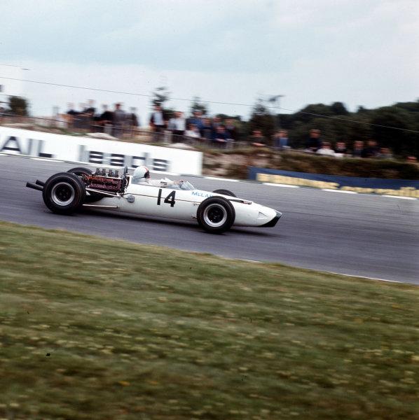 Brands Hatch, England.14-16 July 1966.Bruce McLaren (McLaren M2B Serenissima) 6th position.Ref-3/2261.World Copyright - LAT Photographic