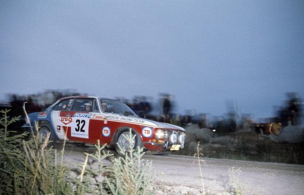 Kyösti Saari / Seppo Komulainen, Alfa Romeo 2000 GTV.