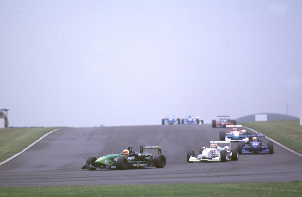 2000 British Formula Three Donington, England. 1st - 2nd July 2000. Rd 7&8. Antonio Pizzonia leads the pack. World - Peter Spinney/ LAT Photographic