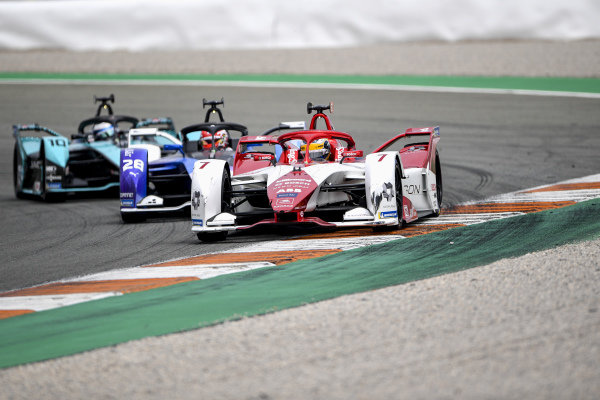 Sergio Sette Camara (BRA), Dragon Penske Autosport, Penske EV-5, leads Maximilian Guenther (DEU), BMW I Andretti Motorsports, BMW iFE.21, and Sam Bird (GBR), Jaguar Racing, Jaguar I-TYPE 5