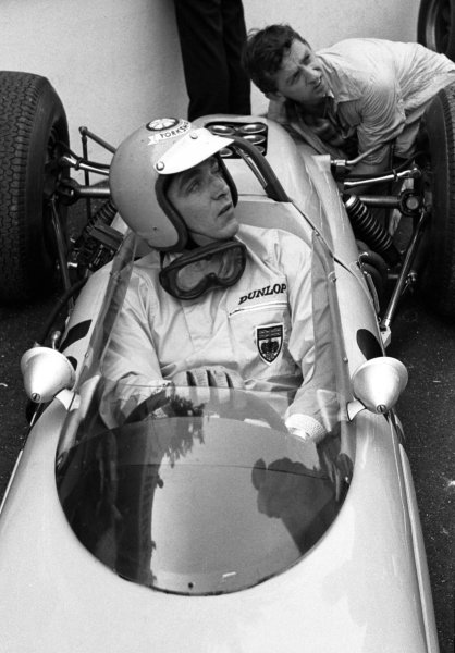 1964 French Grand Prix.Rouen-les-Essarts, France. 26-28 June 1964.Trevor Taylor in his BRP-BRM.World Copyright - LAT Photographic