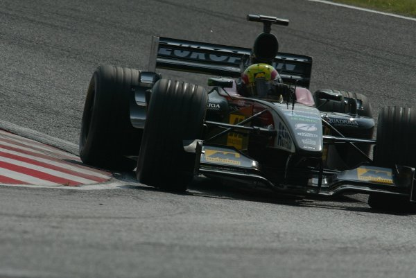 2002 Japanese Grand Prix.Suzuka, Japan. 11-13 October 2002.Mark Webber (Minardi PS02 Asiatech).World Copyright - LAT Photographicref: Digital File Only