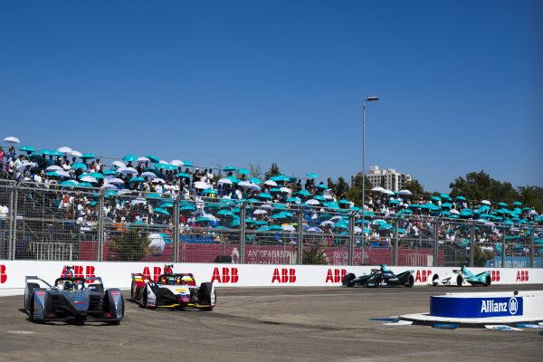 Felipe Massa (BRA), Venturi Formula E, Venturi VFE05 leads Lucas Di Grassi (BRA), Audi Sport ABT Schaeffler, Audi e-tron FE05
