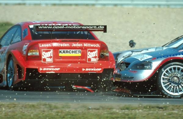 First corner shunt in race oneDTM Championship - Oschersleben, Germany, 23-24 September 2000