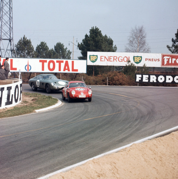 Le Mans, France. 17th April 1963.Guy Flayac (Fiat-Abarth 1000P), 12th position leads Bruce McLaren (Aston Martin DP214), 3rd position, action. World Copyright: LAT Photographic.Ref:  843.