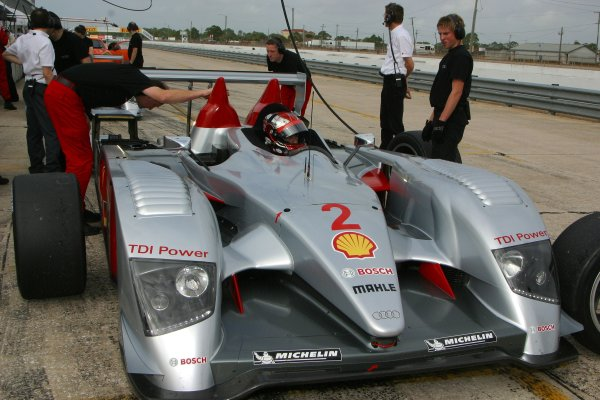 JANUARY 23-25, 2006, SEBRING INTERNATIONAL RACEWAY, RINALDO CAPELLO NO 2 AUDI R10  