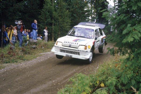 1986 World Rally Championship.1000 Lakes Rally, Finland. 5-7 September 1986.Stig Blomqvist/Bruno Berglund (Peugeot 205 Turbo 16 E2), 4th position.World Copyright: LAT PhotographicRef: 35mm transparency 86RALLY14