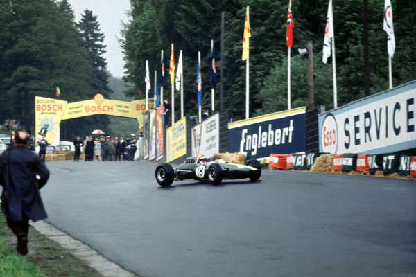 Spa-Francorchamps, Belgium.11-13 June 1965.Mike Spence (Lotus 33 Climax) 7th position.Ref-65 BEL 04.World Copyright - LAT Photographic