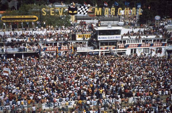 1982 Le Mans 24 hours. Le Mans, France. 19th - 20th June 1982. Jacky Ickx / Derek Bell (Porsche 956), 1st position, podium, portrait.   World Copyright: LAT Photographic. Ref: 82LM44.