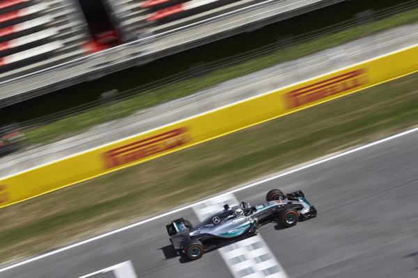 Circuit de Catalunya, Barcelona, Spain. Friday 8 May 2015. Lewis Hamilton, Mercedes F1 W06 Hybrid. World Copyright: Steve Etherington/LAT Photographic. ref: Digital Image SNE19774