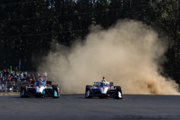 #2: Josef Newgarden, Team Penske Chevrolet, #4: Dalton Kellett, A.J. Foyt Enterprises Chevrolet