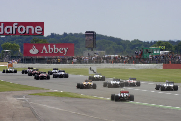 The field exits Copse on the first lap.