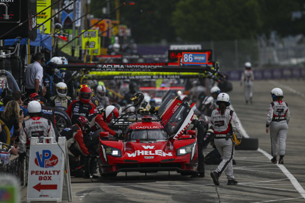 #31 Whelen Engineering Racing Cadillac DPi, DPi: Felipe Nasr, Pipo Derani, Pit Stop