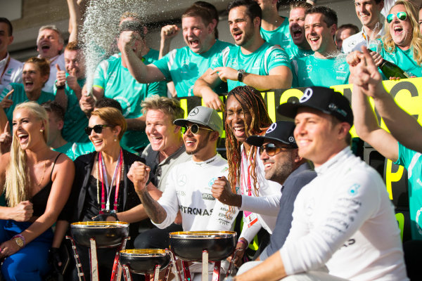 Circuit of the Americas, Austin Texas, USA. Sunday 23 October 2016. Lewis Hamilton, Mercedes AMG, 1st Position, the Mercedes team and celebrities including Skier Lindsey Vonn, Actress Noomi Rapace, TV Chef Gordon Ramsay and Tennis star Venus Williams, celebrate after the race. World Copyright:Andrew Hone/LAT Photographic ref: Digital Image _ONY9018