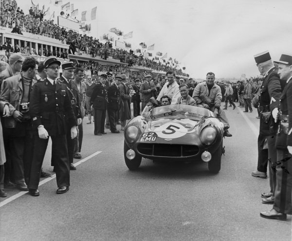 Le Mans, France. 22nd June 1958.Peter Whitehead/Graham Whitehead (Aston Martin DB3S), 2nd position, drive into parc ferme, action. World Copyright: LAT Photographic.Ref:  B/WPRINT.