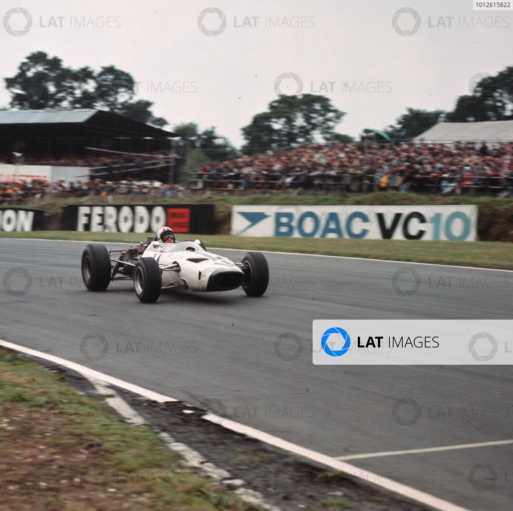 Brands Hatch, England.14-16 July 1966.Bruce McLaren (McLaren M2B Serenissima) 6th position.Ref-3/2255.World Copyright - LAT Photographic
