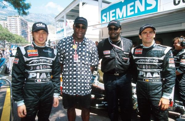 L to R: Tora Takagi (JPN), Former World Champion boxer Frank Bruno, 'the prince' and Pedro de la Rosa (ESP)