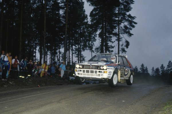 1992 World Rally Championship.1000 Lakes Rally, Finland. 27-30 August 1992.Didier Auriol/Bernard Occelli (Lancia Delta HF Integrale), 1st position.World Copyright: LAT PhotographicRef: 35mm transparency 92RALLY07