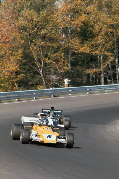 1972 United States Grand Prix.  Watkins Glen, New York, United States. 6-8th October 1972.  Mike Beuttler, March 721G Ford, 13th position, leads Henri Pescarolo, March 721 Ford, 14th position.  Ref: 72USA17. World Copyright: LAT Photographic