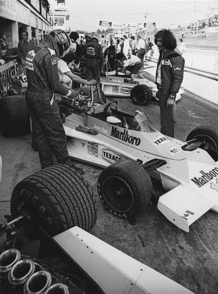Mosport Park, Ontario, Canada. 1st - 3rd October 1976. James Hunt (McLaren M23-Ford), 1st position, in the pit lane, portrait.  World Copyright: LAT Photographic.  Ref: B/W Print.